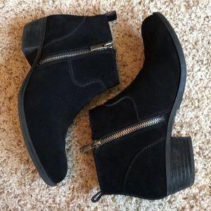Lucky Brand black suede booties sz7.5